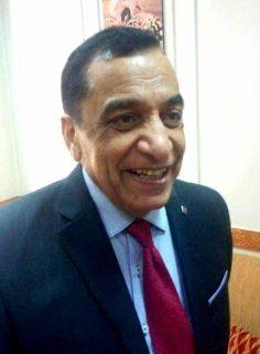حوار مع الدكتور/ رشاد أحمد عبد اللطيف …